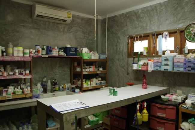 Klinikan hoitohuone.