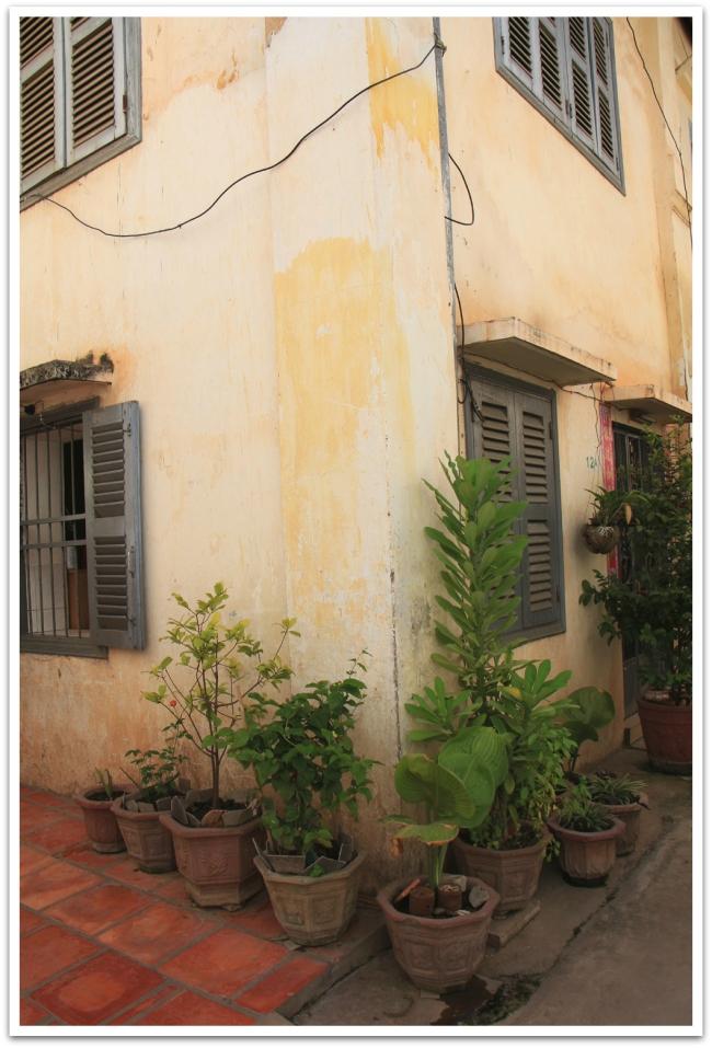 Siem Reapin keskustasta löytyi kauniita vanhoja taloja, muistoja Ranskan kolonialismin ajoista.