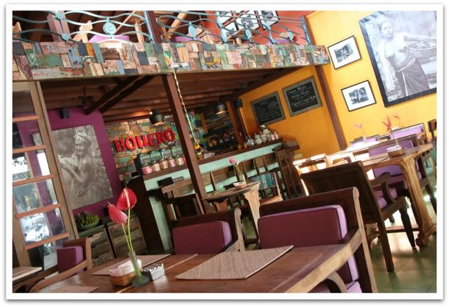 Ravintolat ja kahvilat mukavia.