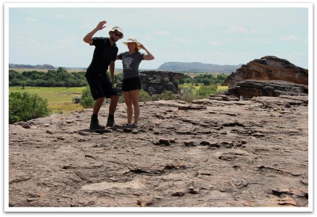 Turistit Kakadun luonnonpuistossa.