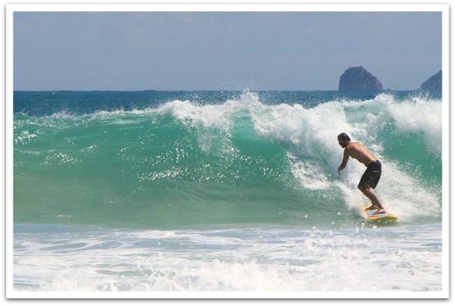 Ja surffauskin onnistui! Timon tyylinäyte.
