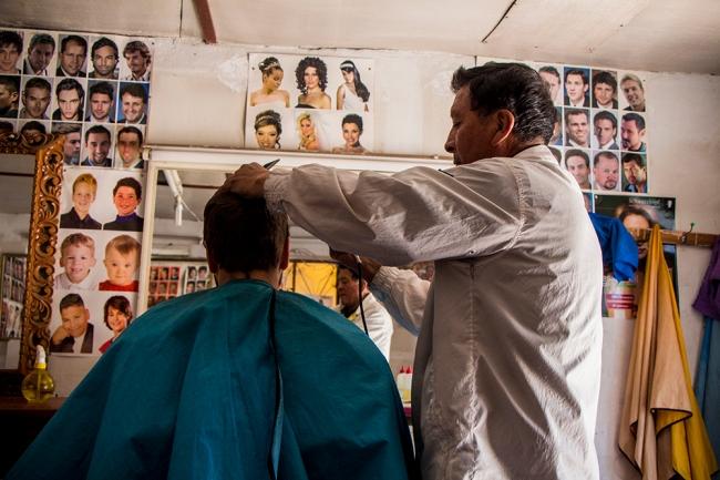 Ihan hukkaan ei aika Punossa mennyt, hiukset sai leikattua kahdeksalla solella (2€).